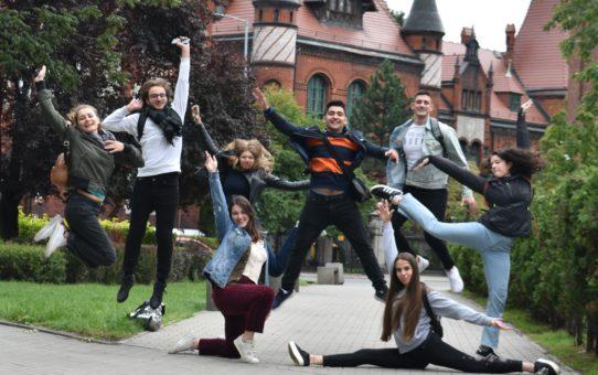 Międzynarodowa grupa młodzieży wspierała wolontariat w Bytomiu